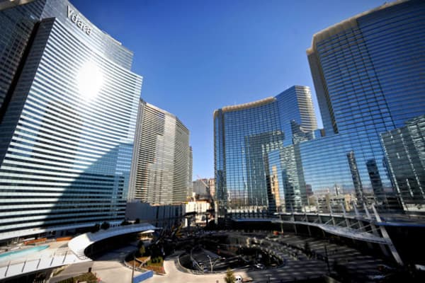 When researching hotels for an upcoming trip, many potential guests hope to find certain amenities, such as a mini-bar, a gym or close proximity to sightseeing. However, the Vdara Hotel & Spa in Las Vegas offers a unique accoutrement that neither its guests nor its architect anticipated --- a death ray.The hotel opened in December 2009 and featured a unique, curved structure. However, its design collected solar rays and beamed them to the hotel swimming pool area. Guests sunning themselves nearb