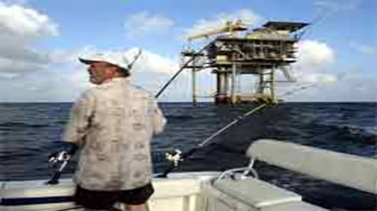 fisherman_oil_platform_photo_AP.jpg