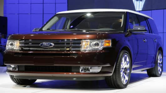 The new Ford Flex is displayed at the New York International Auto Show in New York, Wednesday, April 4, 2007.  The show opens to the public on April 6, 2007.  (AP Photo/Seth Wenig)