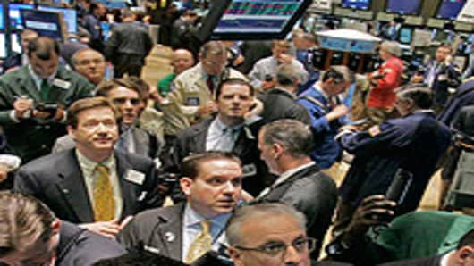 NYSE_traders_busy3_200.jpg