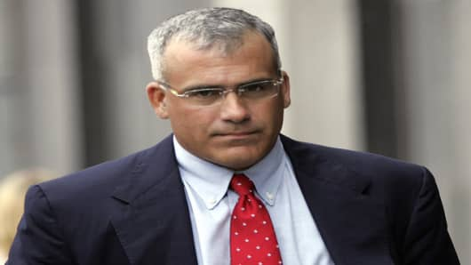 ** OMITS REFERENCE TO STEPHANIE JENSEN, WHO HAS NOT BEEN CRIMINALLY CHARGED ** Brocade's former CEO Gregory L. Reyes walks into a federal courthouse in San Francisco, Wednesday, Aug. 2, 2006. Reyes became the first chief executive to be criminally charged over alleged improper accounting of stock options. (AP Photo/P