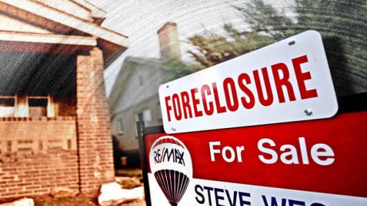 foreclosure_house_dec.jpg