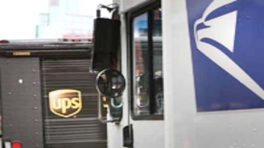 ups_usps_trucks1.jpg