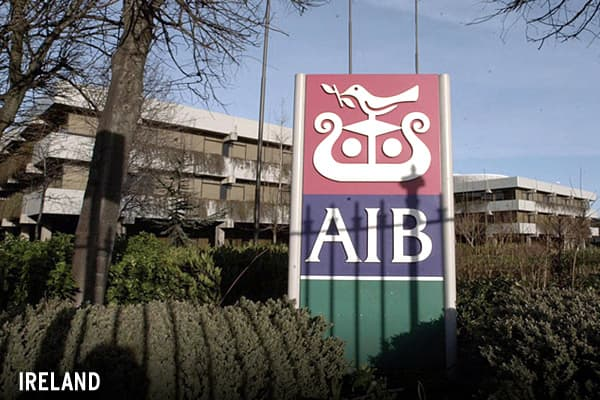 Ireland was the first government to act on Sept. 30 and sparked the current flurry when it promised depositors that the liabilities of six Irish-owned banks, totaling some $575 billion, would be insured for the next two years. The move heaped pressure on other European countries and attracted calls of anti-competitive behavior.» »
