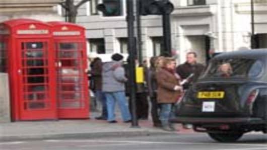london_phonebox_cab_200.jpg
