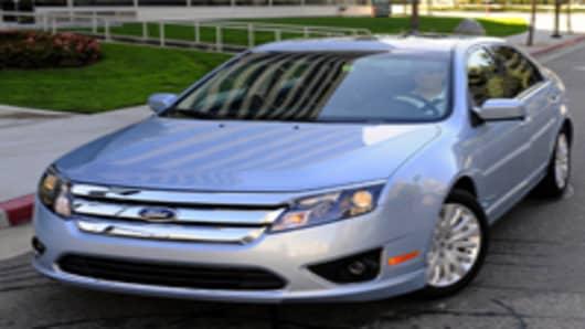 Ford_Fusion_hybrid.jpg