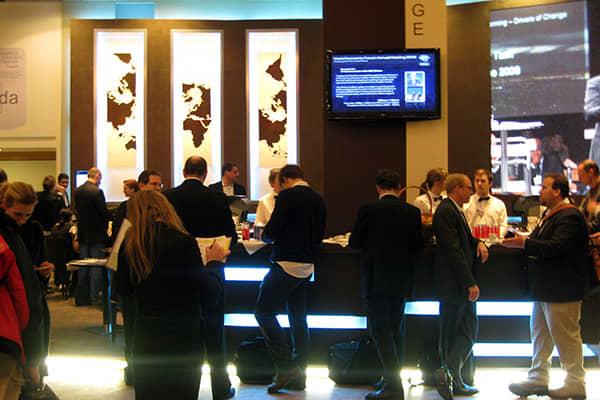 center_lobby2_600x400.jpg