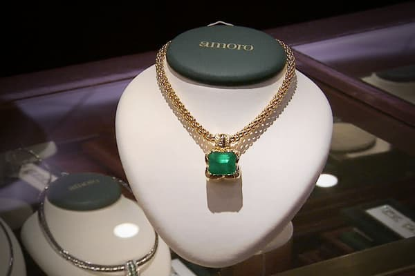 This floating shopping mall offers everything from $8 ornaments to this $80,500 emerald!