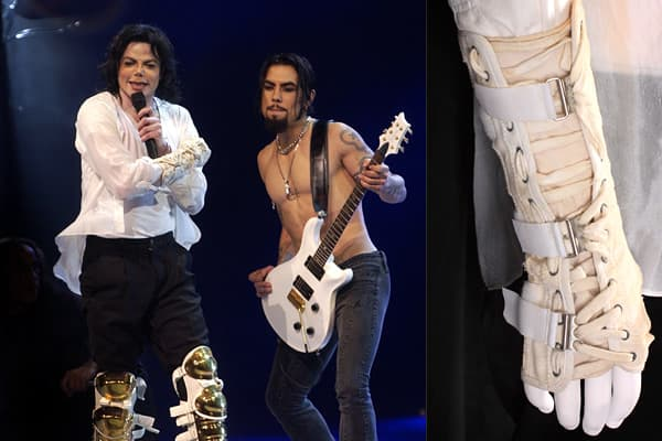 "Estimated Value: $1,000 - $1,500These pieces were worn together during Jackson's performance of the song ""Black Or White"" with rock guitarist Dave Navarro, at the Apollo Theater.  Jackson performed three songs there on April 24, 2002 for ""A Night At The Apollo"" a Democratic National Fundraiser which reportedly raised $2.5 million dollars for a national voter registration drive.  Jackson was introduced to the stage that night by President Clinton.  Jackson gave the items to the fiancé of a collea"
