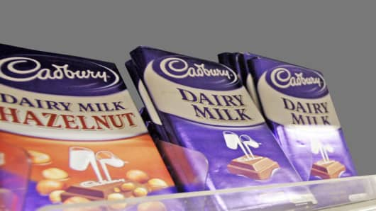 "Cadbury chocolate are displayed for sell at a supermarket in Hong Kong Monday, Sept. 29, 2008. British chocolate maker Cadbury said Monday tests have ""cast doubt"" on the safety of its Chinese-made products and ordered them recalled, becoming the latest foreign company to be affected by China's tainted milk scandal.  (AP Photo/Kin Cheung)"