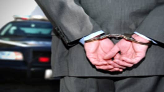 handcuffs_suit6_200.jpg
