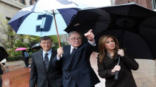 "Warren Buffett, Bill Gates and CNBC's Becky Quick tour the Columbia University campus before today's Town Hall Event: ""Warren Buffett and Bill Gates: Keeping America Great"" at Columbia University's Business school."