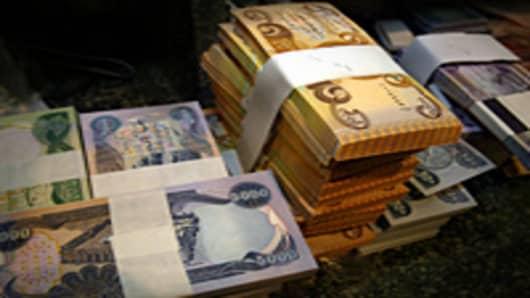 Iraqi dinar banknotes