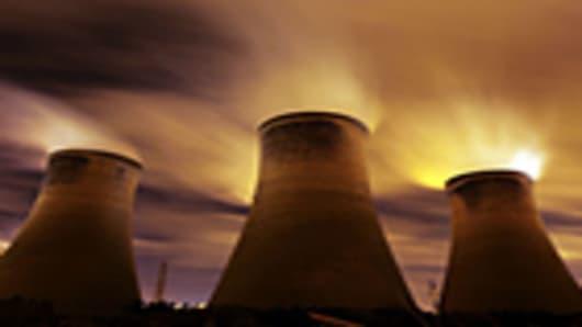 nuclear_3-towers_sky_140.jpg