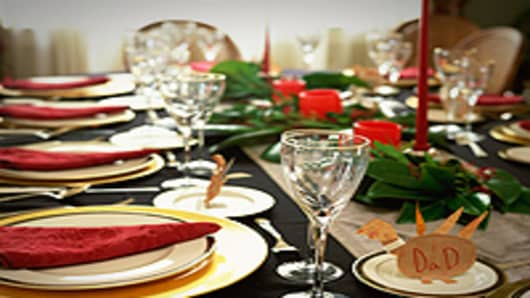 Thanksgiving_table_200.jpg
