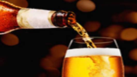 beer_being_poured_140.jpg