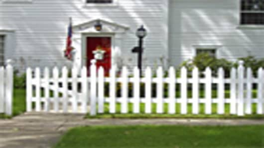 home_with_fence1_140.jpg