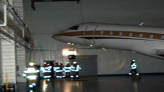 airport_hanger_roof2_200.jpg