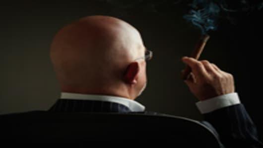 man_cigar_200.jpg