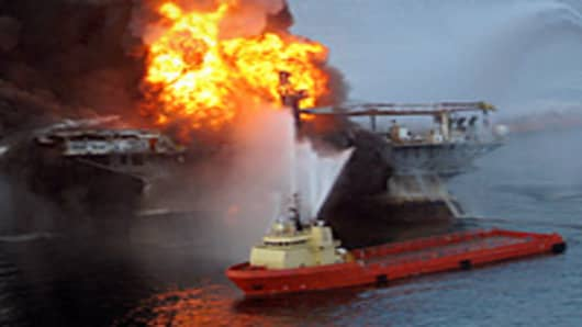 mexico_oil_rig_explosion4_200.jpg
