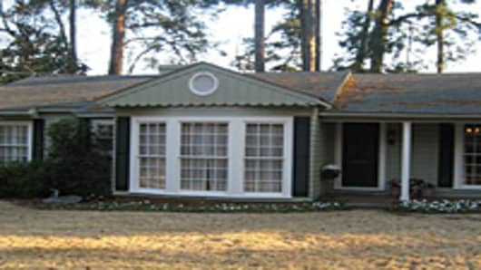 CIAFI_Lousiana_Love_nest_house with fiance.jpg