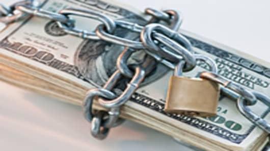 money_lock_2_200.jpg