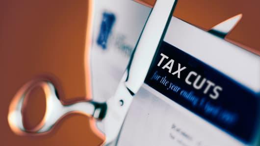 tax_cuts_200.jpg