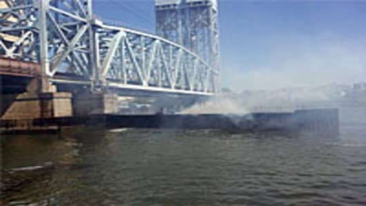 harlem_bridge_fire_200.jpg