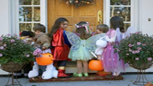 halloween_trickortreaters_200.jpg