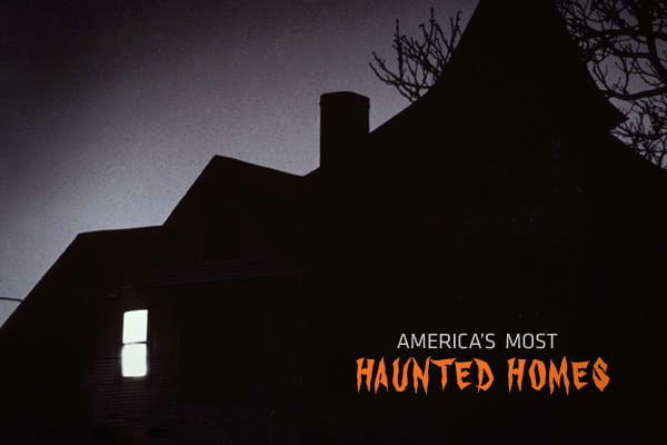 Source: Zillow's 10 Haunted Homes || Photo: William Koechling | Workbook Stock | Getty Images