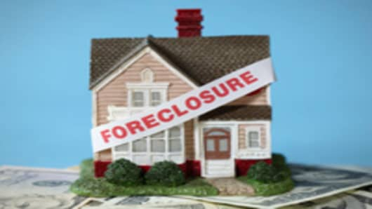 foreclosure_toy_house_200.jpg