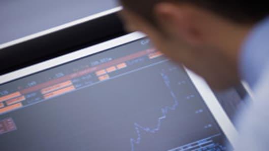 man_with_stock_chart_200.jpg