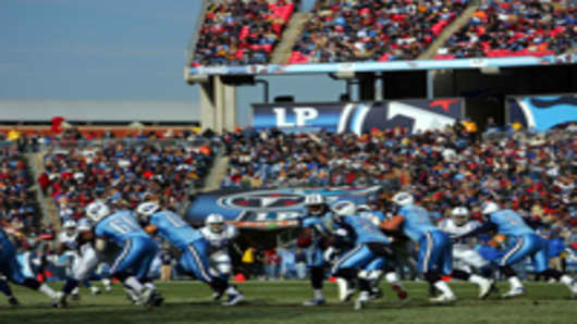 ten_titans_lp_field_200.jpg