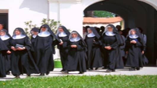 nuns_convent_200.jpg