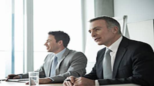 businessmen_meeting_200.jpg