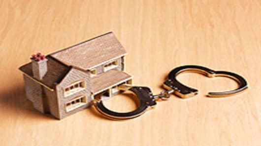 home_handcuff_200.jpg