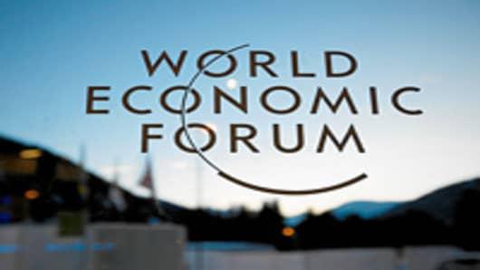davos_wef_glass_logo_200.jpg