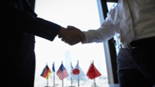 international_business_deal_200.jpg