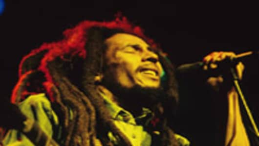 UNITED KINGDOM - JULY 01: Photo of Bob MARLEY; Bob Marley performing live on stage at the Brighton Leisure Centre, (Photo by Mike Prior/Redferns)