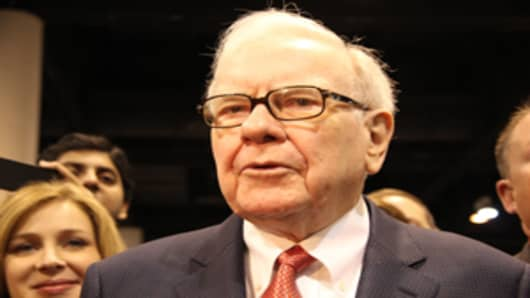 Warren Buffett on the exhibition hall floor at the Berkshire Hathaway shareholders meeting in Omaha, April 30, 2011