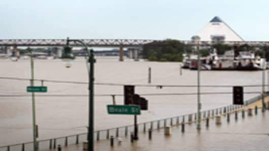 Floodwater covers Beale Street at the edge of the Mississippi River May 7, 2011 in Memphis, Tennessee. Heavy rains have left the ground saturated, rivers swollen, and have caused widespread flooding in Missouri, Illinois, Kentucky, Tennessee, and Arkansas.