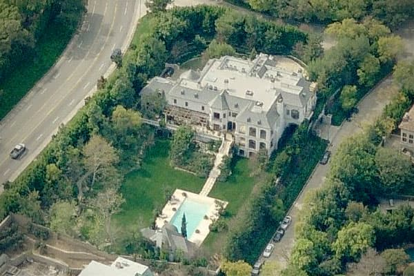 Price: $23.5 millionLocation: Holmby Hills, Los AngelesBeds/Baths: 7 bedrooms, 13 bathroomsSquare feet: 17,171When Michael Jackson died in June 2009, he was renting a 7-bedroom mansion for $100,000 a month. His landlord was Hubert Guez, better known as the CEO of the Ed Hardy brand, and even though Jackson was a mere tenant and not the homeowner, he was truly renting in style.The mansion is located in Holmby Hills, an affluent Los Angeles neighborhood. It was built in 2002 and modeled after a Fr
