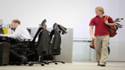man_leaving_work_golfbag_200.jpg