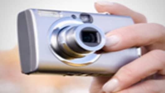 camera_holding_140.jpg