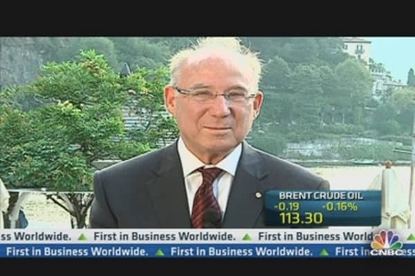 JPMorgan's Frenkel: US Must Cut Entitlements