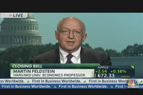 Feldstein: We Are Going Over Fiscal Cliff