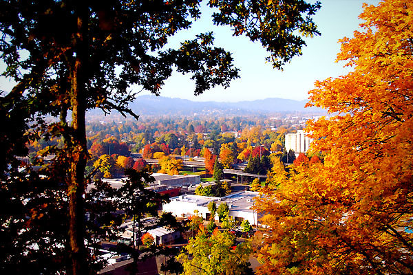 "Colleges and Universities: University of OregonAverage home price: $246,008Statewide average home price: $251,255Oregon's second largest city, located where the McKenzie and Willamette rivers meet, has the motto, ""A Great City for the Arts and Outdoors."" As with many college towns, it is a bastion of progressive activity. It's also known for a history of community development and its Grower's Market is the only food cooperative in the U.S. with no paid employees."