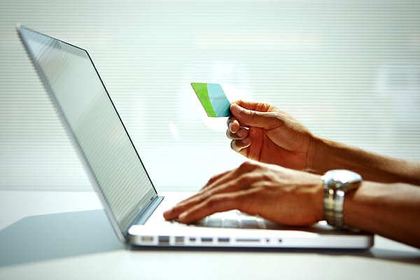 Ecommerce-Inventions-Killed-Businesses-SS.jpg