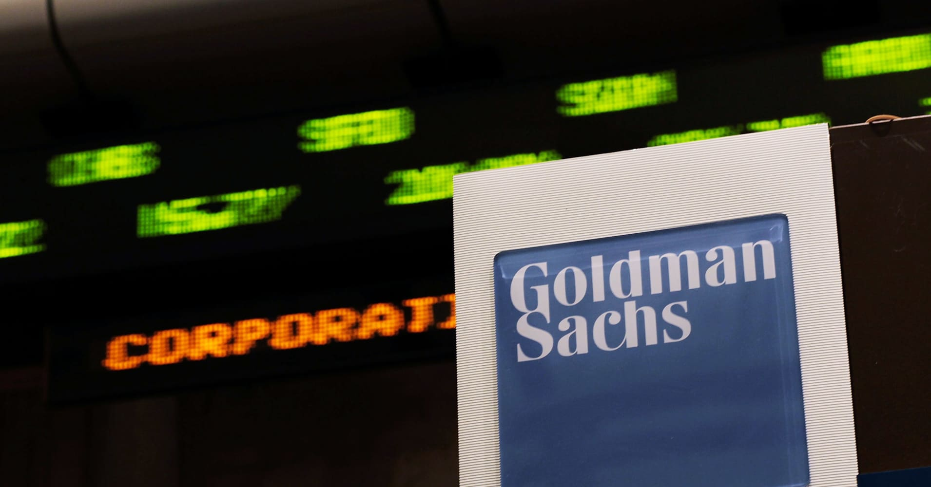 http://fm.cnbc.com/applications/cnbc.com/resources/img/editorial/2011/10/28/45078590-goldman_sachs_ticker_getty.1910x1000.jpg