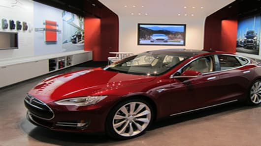tesla-showroom-300.jpg